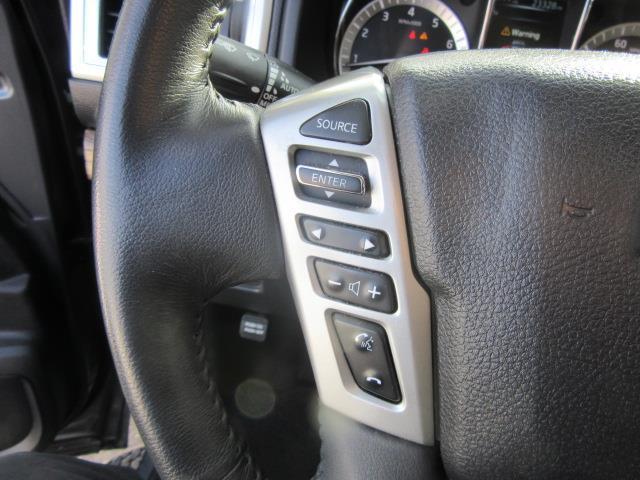 2017 Nissan Titan SL 16