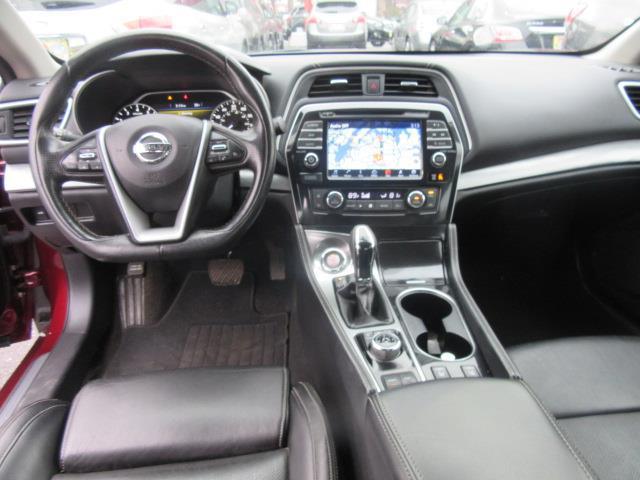 2016 Nissan Maxima 3.5 SV 11