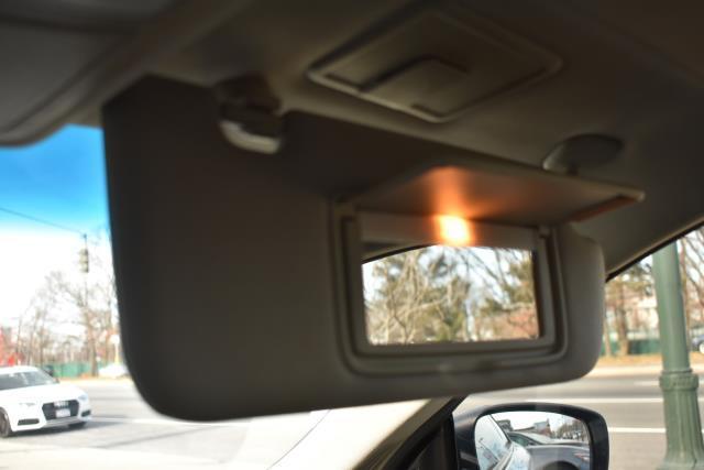 2014 INFINITI Q60 Coupe 2dr Auto AWD 21