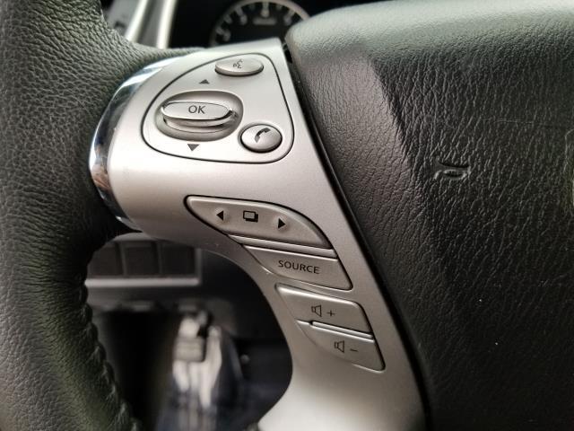 2016 Nissan Murano SV 19