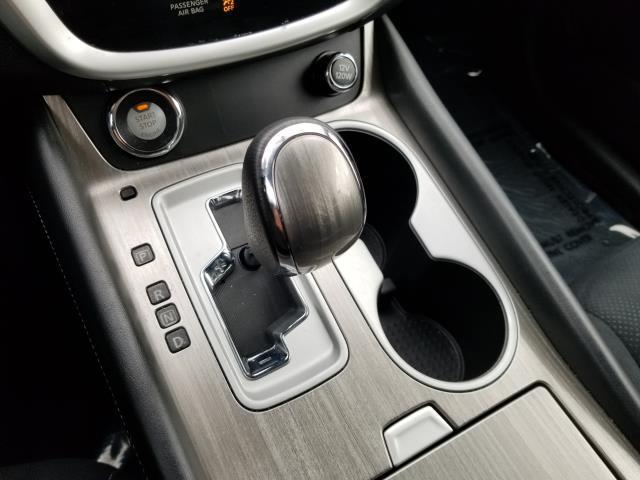 2016 Nissan Murano SV 23