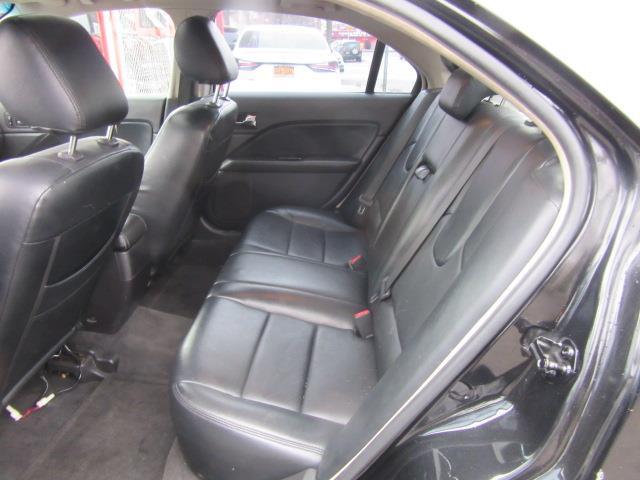 2011 Ford Fusion SE 9