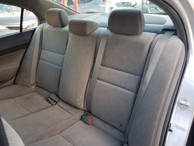 2010 Honda Civic Sdn LX 11