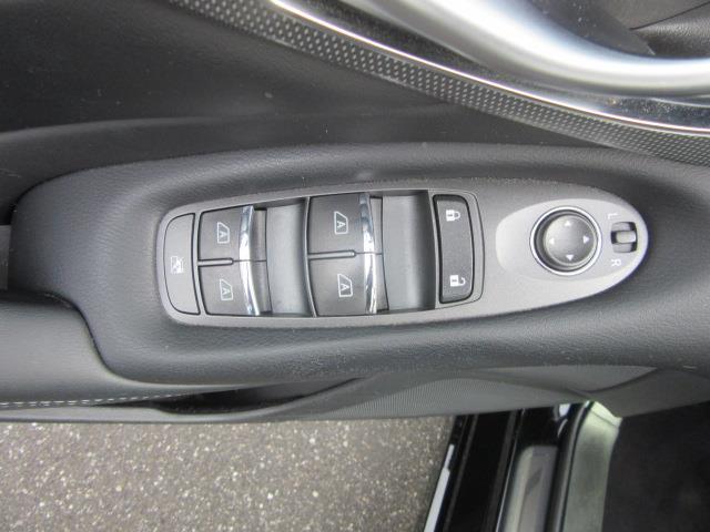 2015 INFINITI Q50 4dr Sdn AWD 14