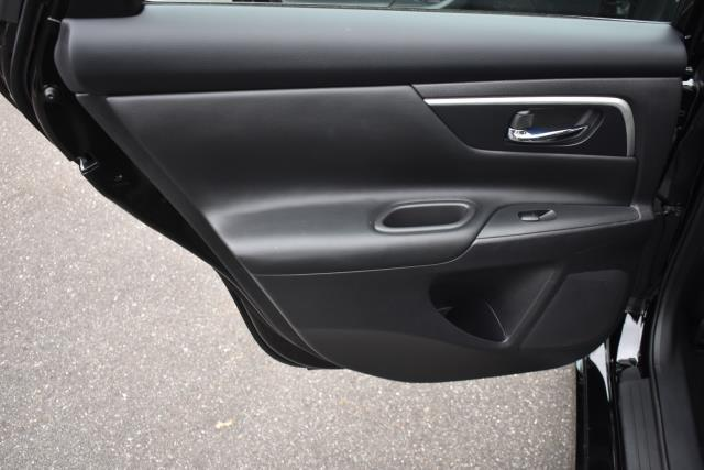2018 Nissan Altima 2.5 SR 9