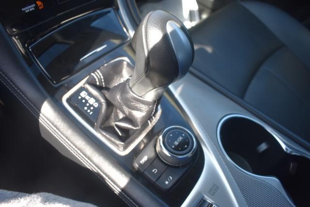 2015 INFINITI Q50 4dr Sdn AWD 22