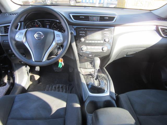 2015 Nissan Rogue S 12