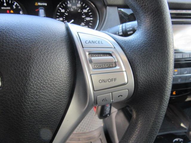 2016 Nissan Rogue S 18
