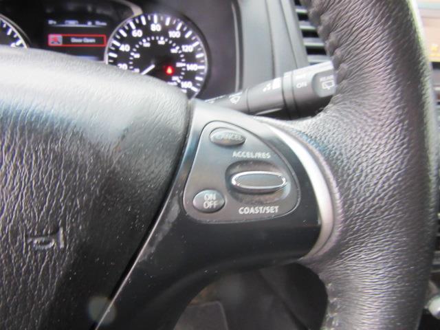 2015 Nissan Pathfinder SL 20