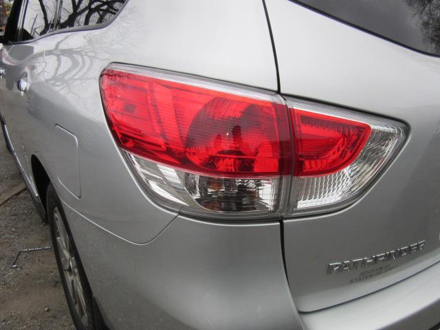 2015 Nissan Pathfinder SL 8