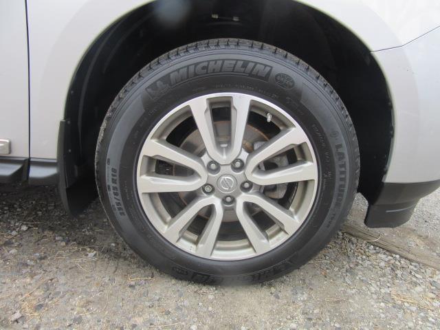 2015 Nissan Pathfinder SL 10