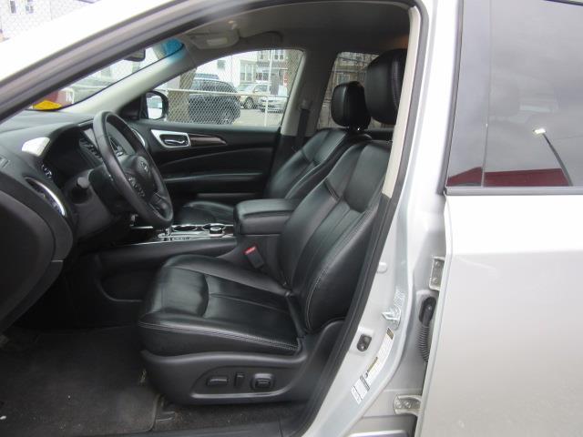 2015 Nissan Pathfinder SL 11