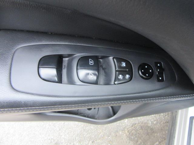 2015 Nissan Pathfinder SL 15