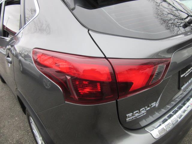 2017 Nissan Rogue Sport SV 7