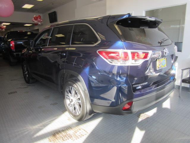 2016 Toyota Highlander XLE 1