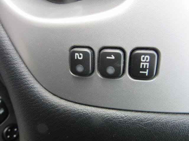 2017 Nissan Pathfinder SL 16