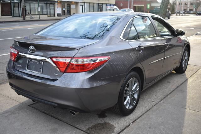 2017 Toyota Camry LE 0