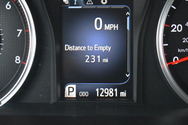 2017 Toyota Camry LE 28