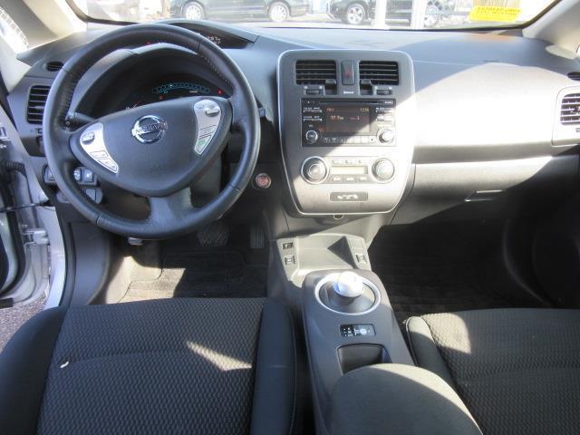 2015 Nissan LEAF S 11