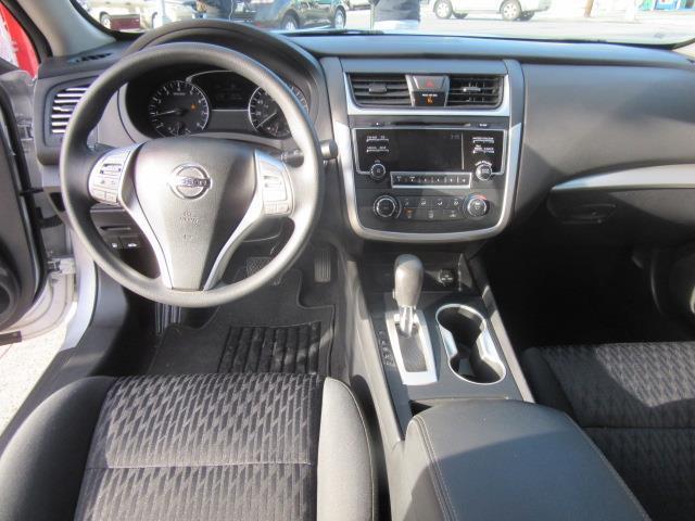 2017 Nissan Altima 2.5 S 13