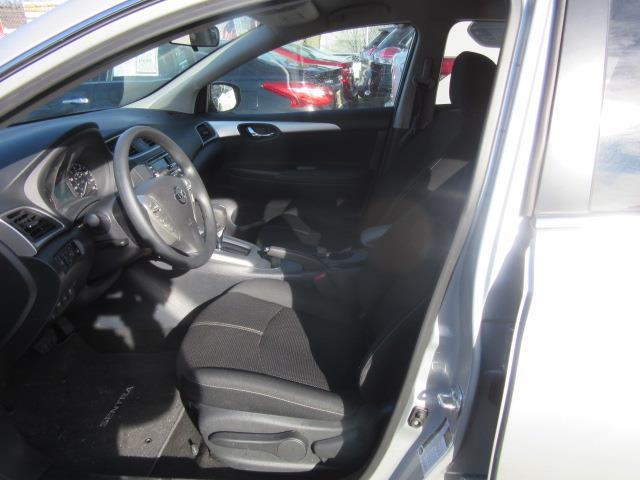 2017 Nissan Sentra S 9