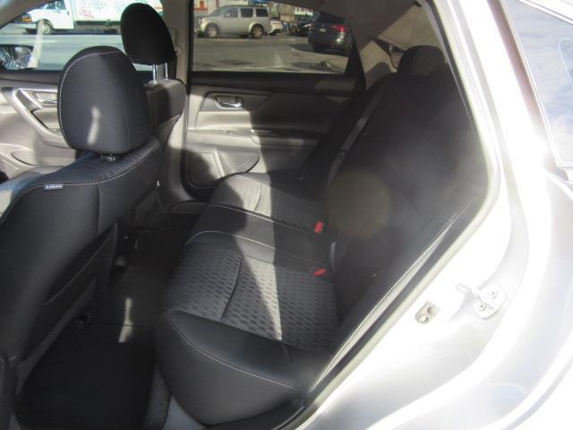 2017 Nissan Altima 2.5 S 12