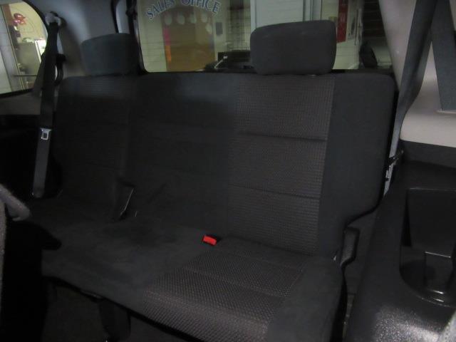 2015 Nissan Armada SV 10
