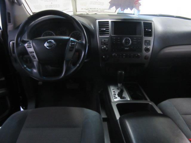 2015 Nissan Armada SV 11