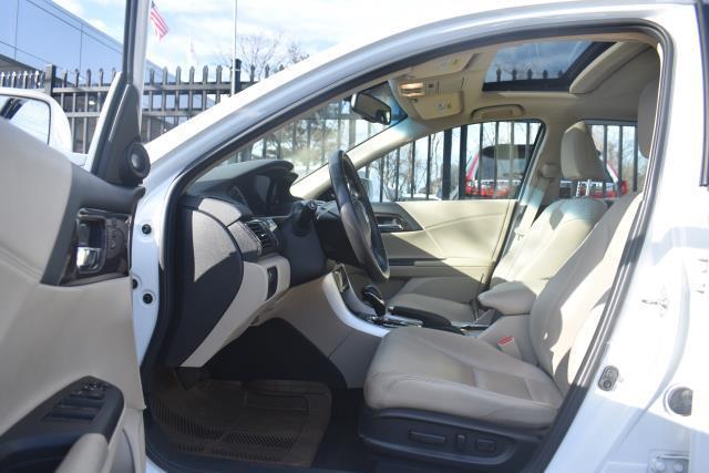 2016 Honda Accord Sedan EX-L 10