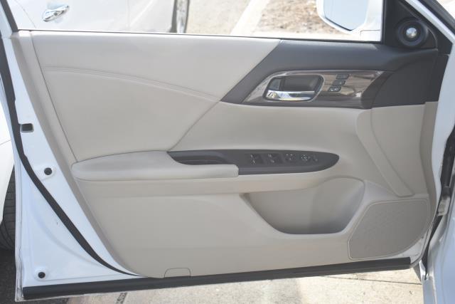 2016 Honda Accord Sedan EX-L 14