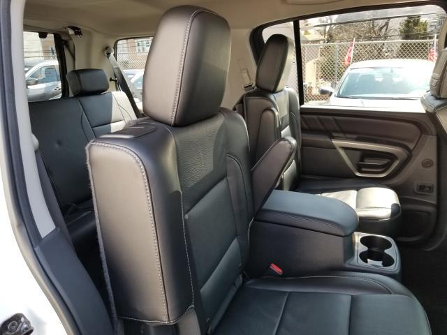2015 Nissan Armada Platinum 16