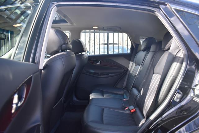 2017 INFINITI QX50 AWD 12