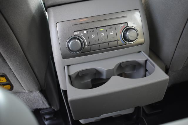 2011 Toyota Highlander Base 26