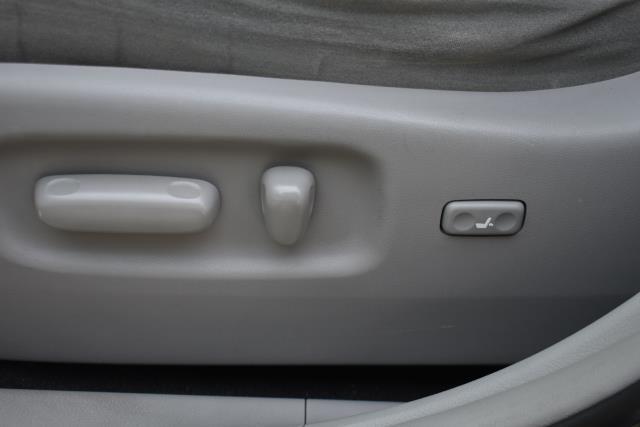 2011 Toyota Highlander Base 29