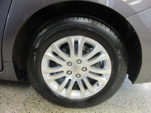 2015 Toyota Sienna XLE 8