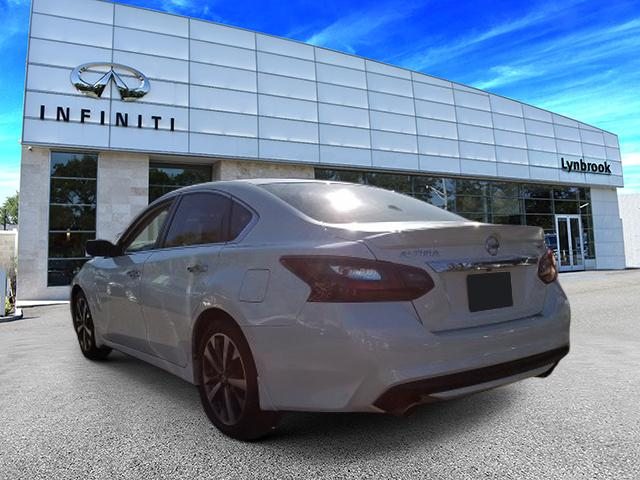 2017 Nissan Altima 2.5 SR 2