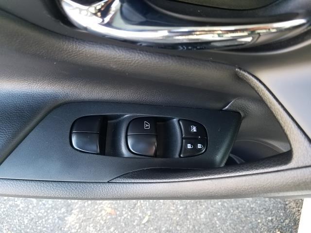 2017 Nissan Altima 2.5 SR 16