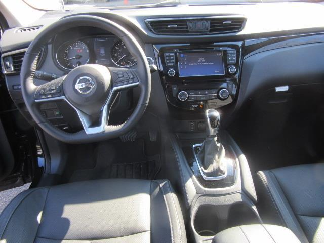 2018 Nissan Rogue Sport SL 13