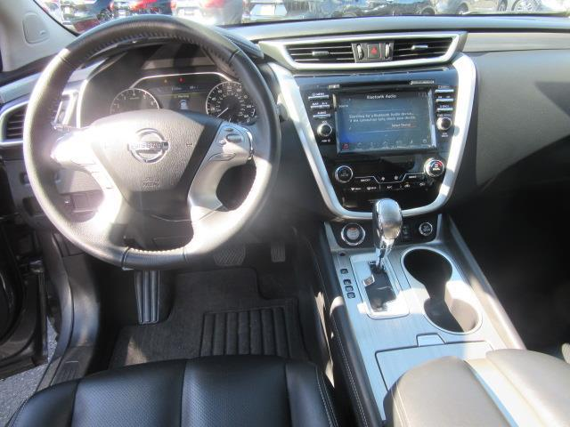 2017 Nissan Murano SL 13