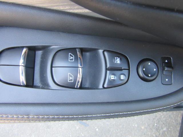 2017 Nissan Murano SL 15