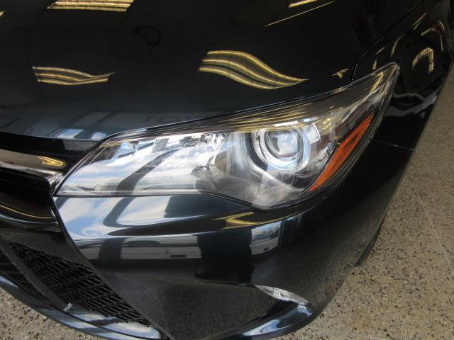 2016 Toyota Camry SE 4