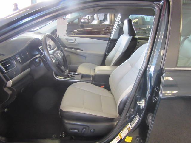 2016 Toyota Camry SE 7