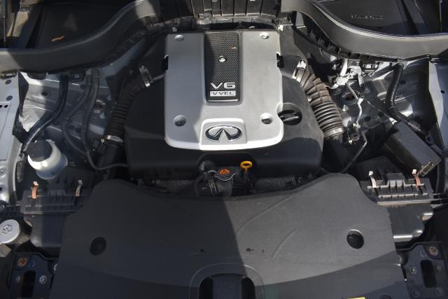 2016 INFINITI QX70 AWD 4dr 11