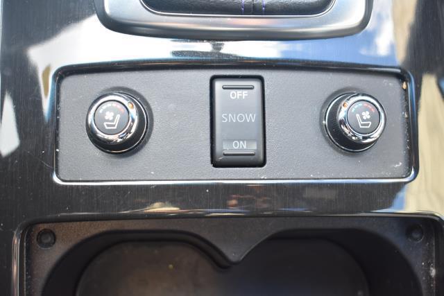 2016 INFINITI QX70 AWD 4dr 22