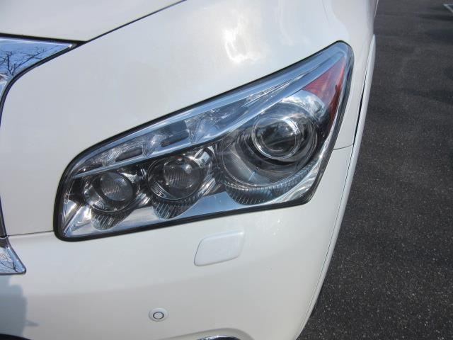 2014 INFINITI QX80 4WD 4dr 6