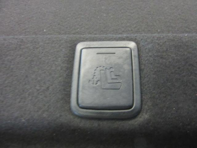 2016 Toyota Camry SE 10