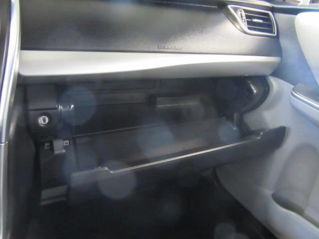 2016 Toyota Camry SE 25