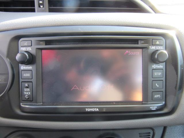 2015 Toyota Yaris LE 24