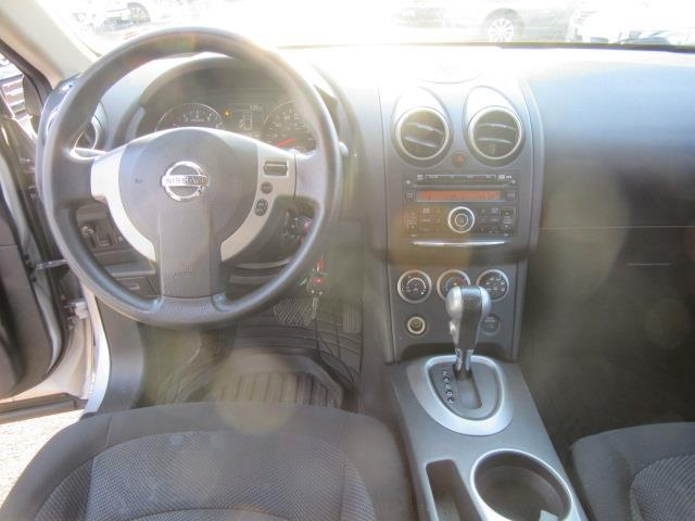 2011 Nissan Rogue S 12