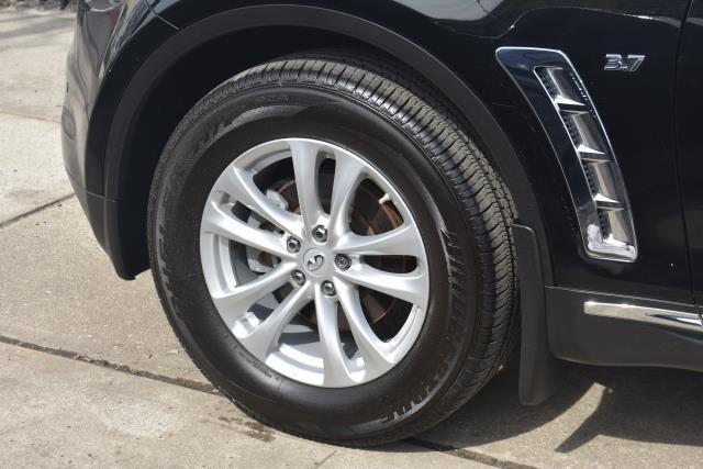 2017 INFINITI QX70 AWD 6